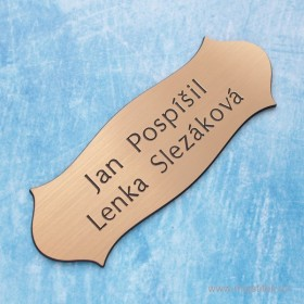 Gravírovaný nalepovací štítek na dveře od bytu a rodinného domu